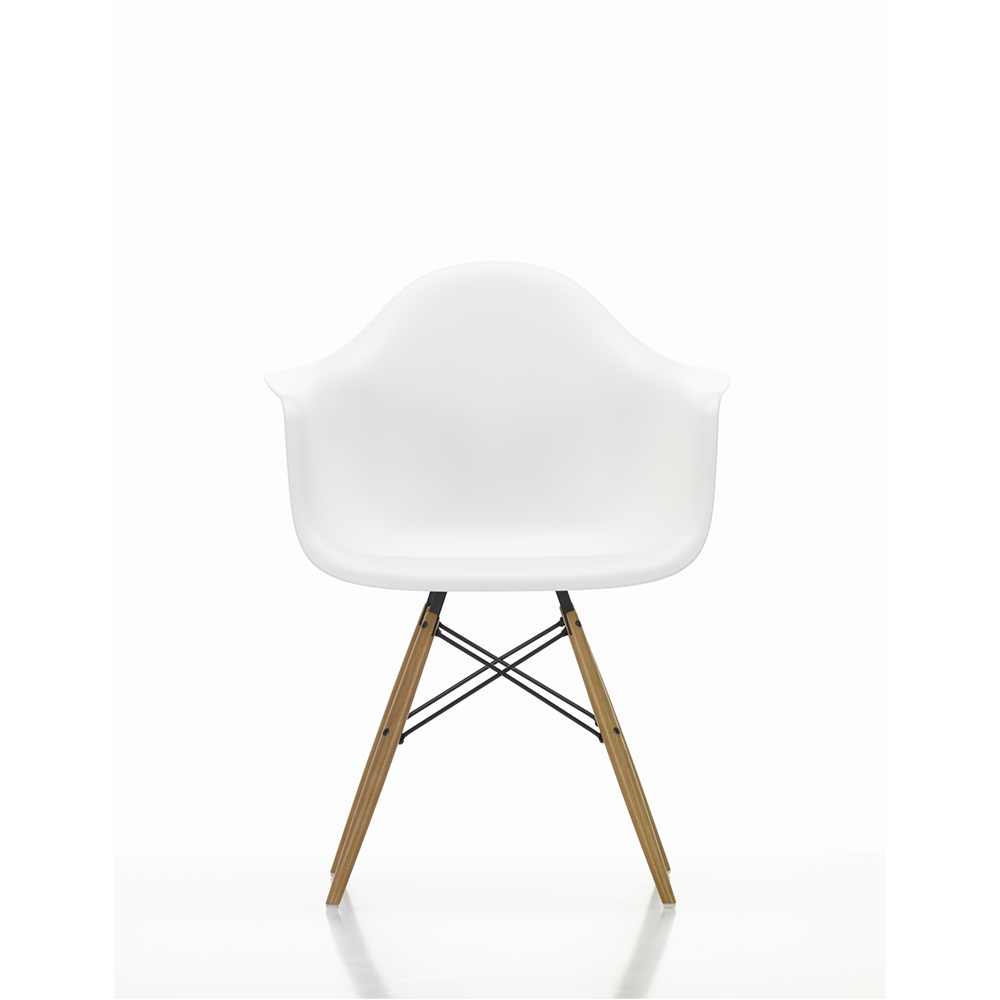 DAW (Dining Height Armchair Wooden Base)