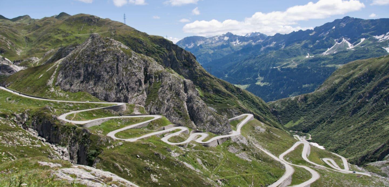 Blick vom Gotthardpass in die Schweiz