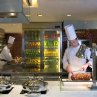 Link to Royal Pacific Hotel Café on the PARK - Lunch buffet for one details page