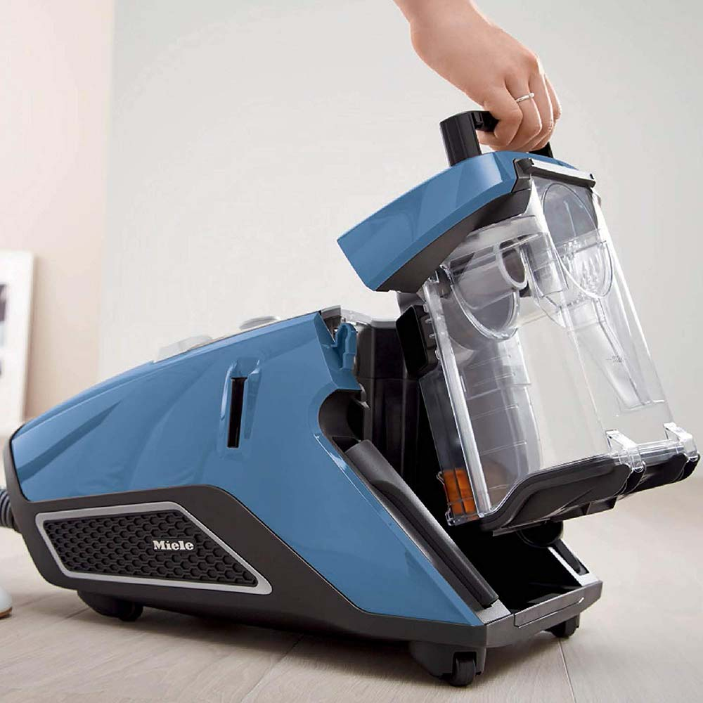 Aspirateur-traîneau Blizzard CX1 Total Care de Miele